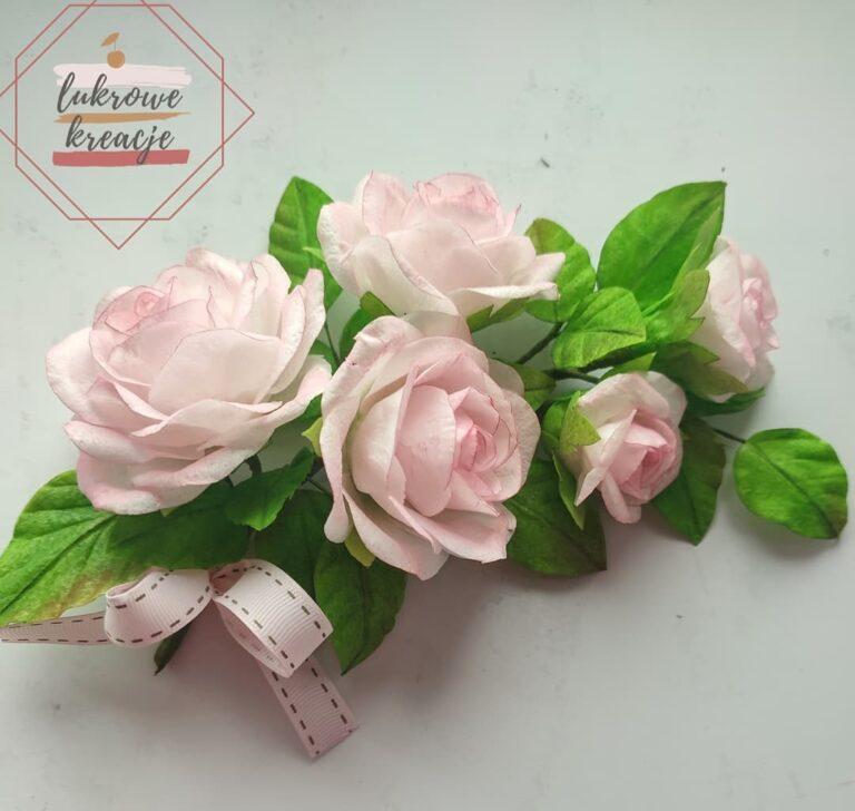 Róże z papieru jadalnego
