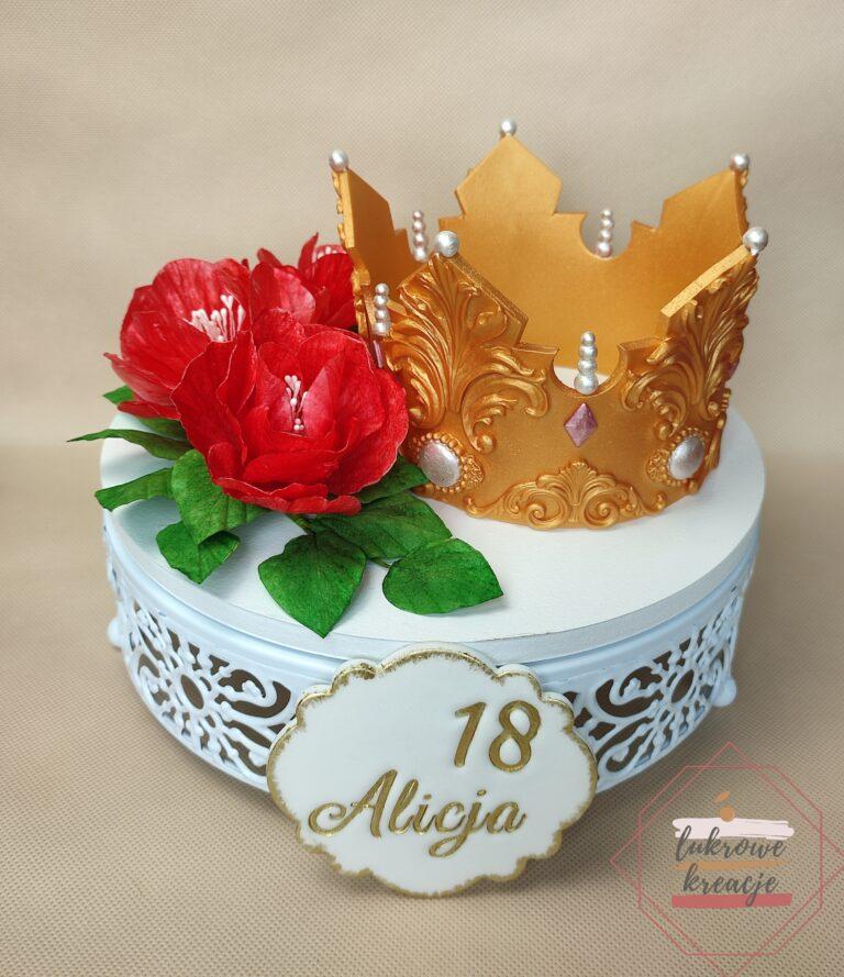 Dekoracja z koroną na tort z okazji 18 urodzin