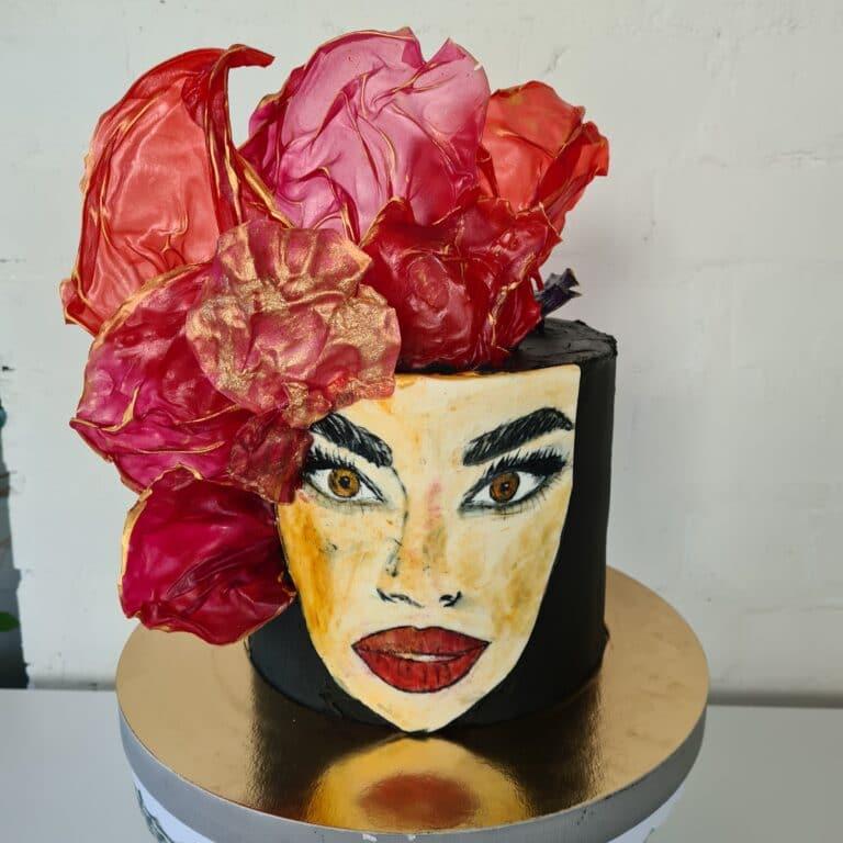 Tort malowany twarz
