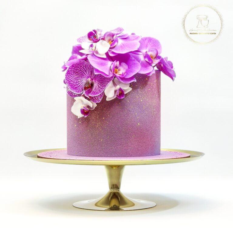 Kobiecy tort ze storczykiem