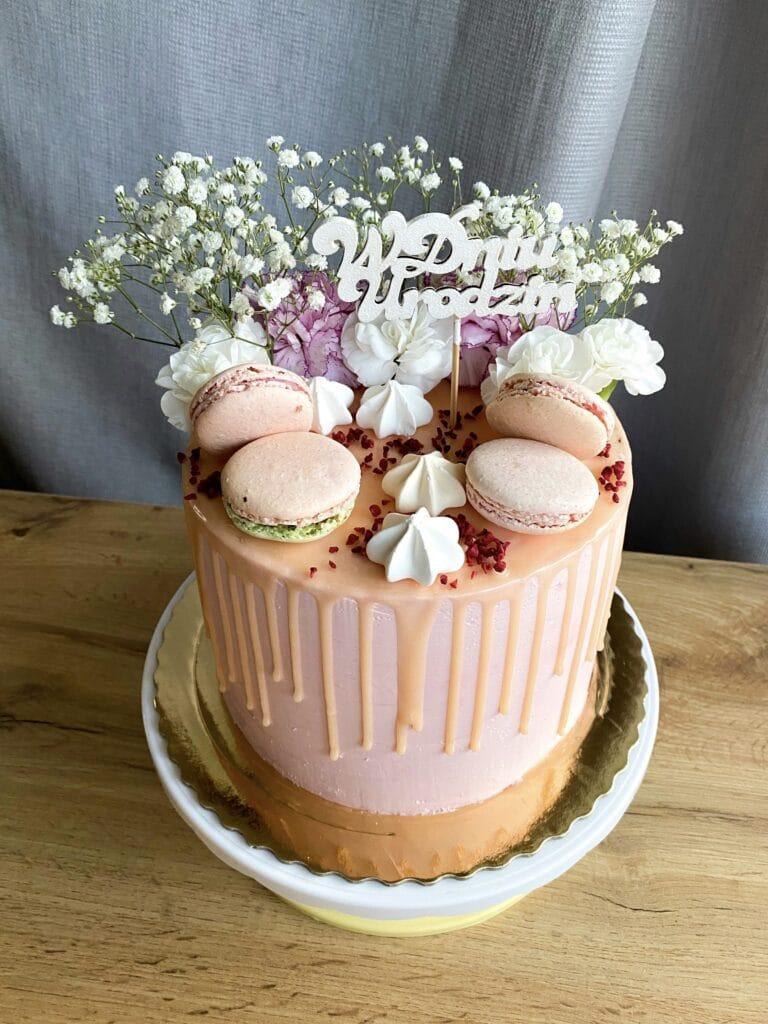 Kobiecy tort