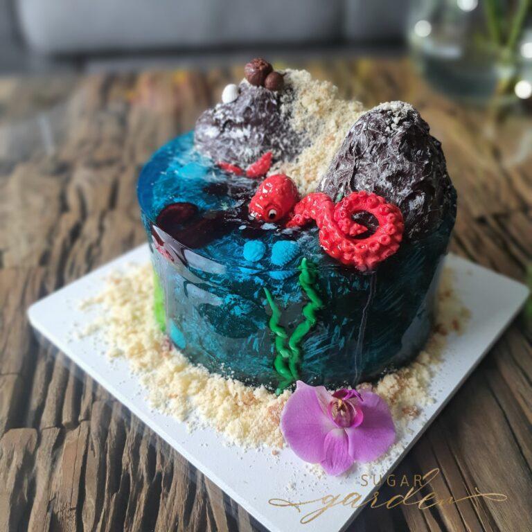 island Cake by Sugar Garden